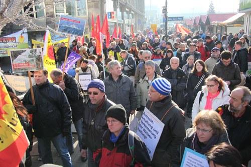 Vielfältige bunte und entschlossene Aktionen am Internationalen Umweltkampftag - Demonstration in Warschau