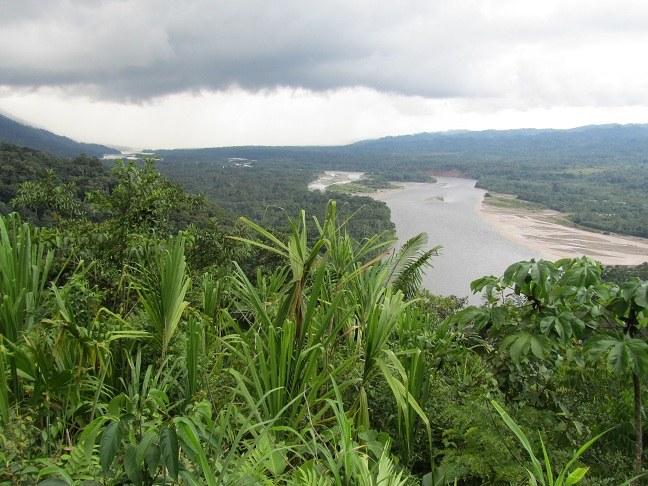 Jahrzehntelange Erdöl-Verseuchung des Regenwalds von Ecuador