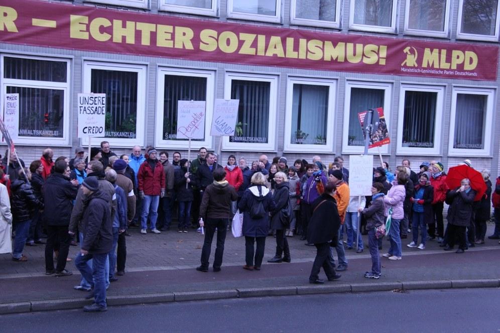 """Sozialismus-Banner darf """"amtlich belassen"""" an der """"Horster Mitte"""" bleiben"""