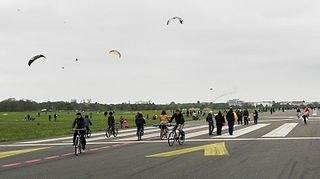 Widerstand gegen umweltzerstörende Bebauung des Tempelhofer Felds in Berlin