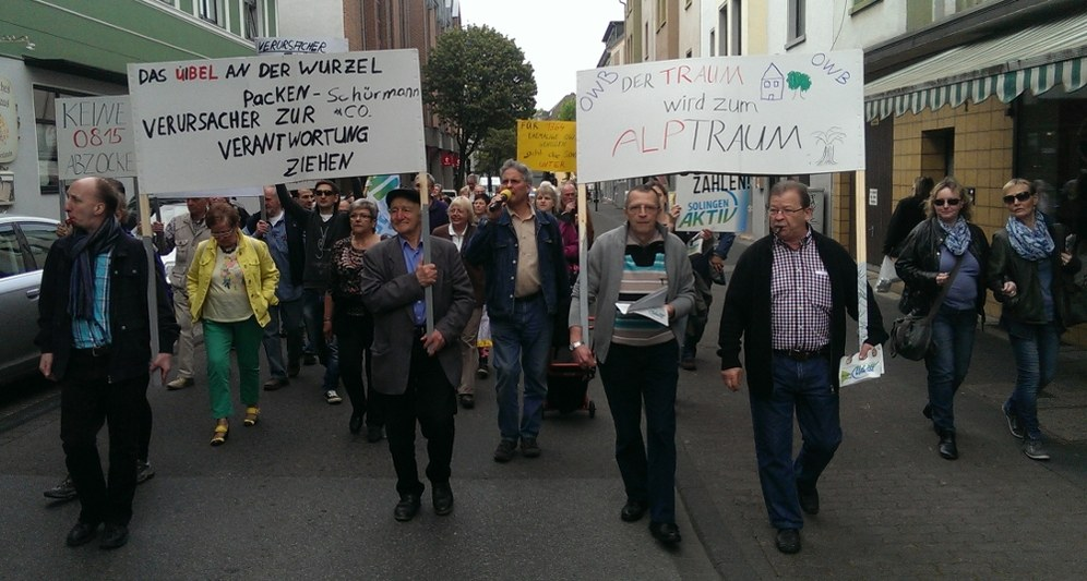 Solingen: OWB-Protestmarsch gegen Zwangsgeld