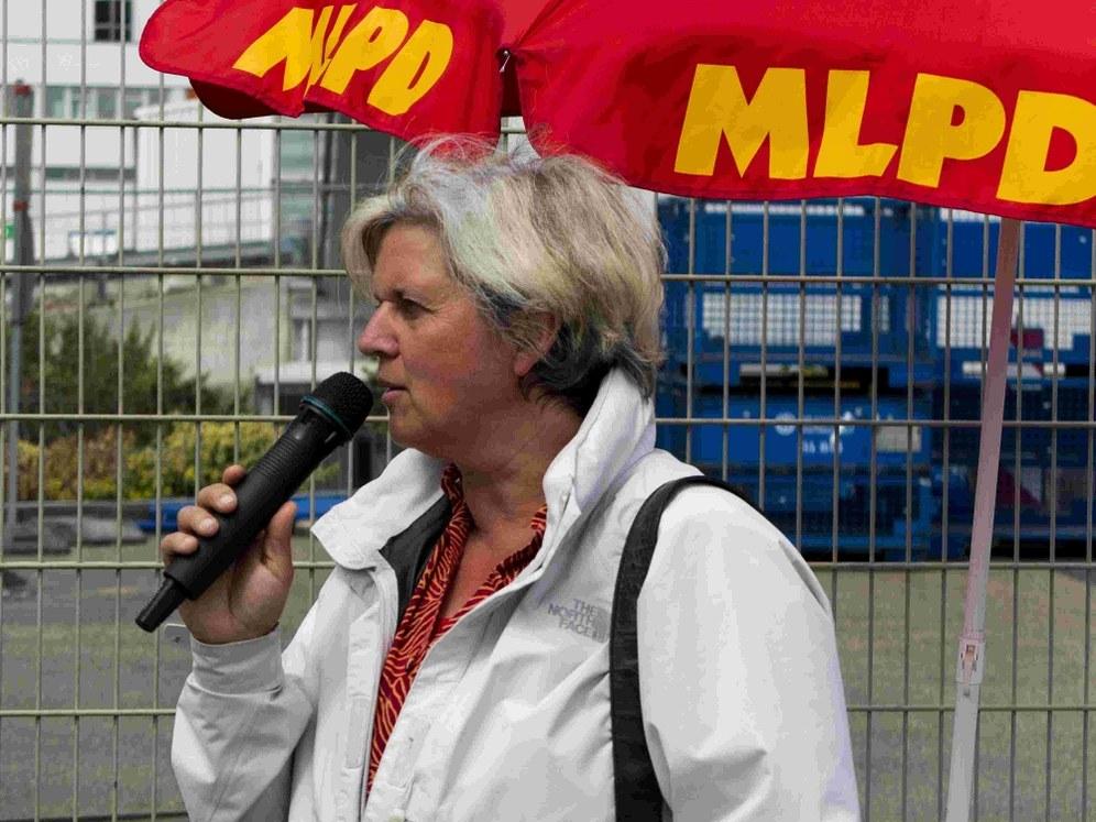 Wahlkampf mit Gabi Conrad und Lisa Gärtner von der MLPD Liste 22