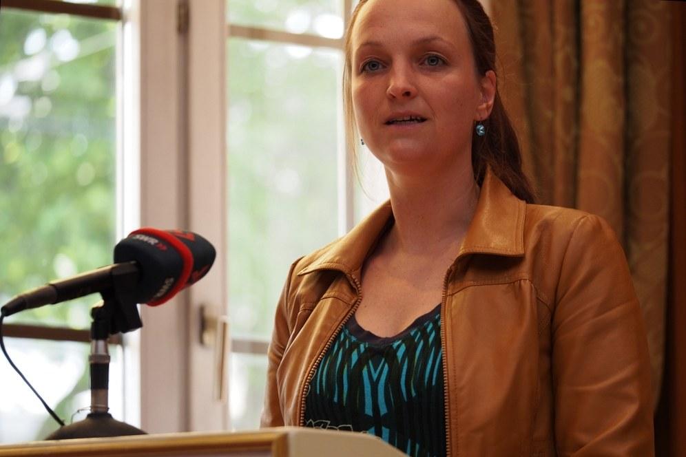 Grundrechte-Report 2014 kritisiert Aberkennung der Courage-Gemeinützigkeit