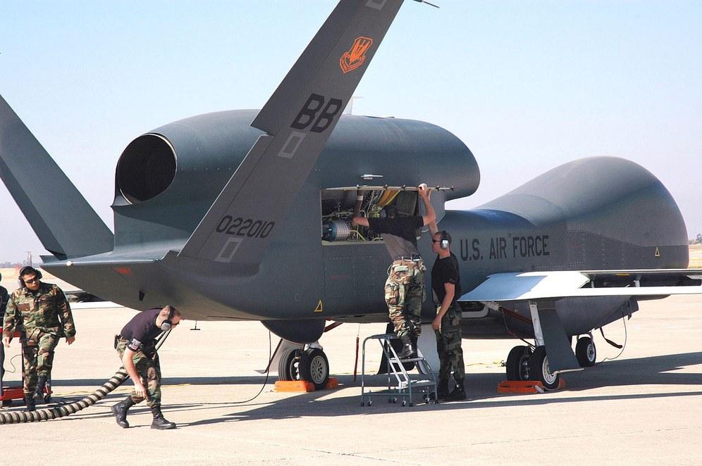 Von der Leyen nun doch für bewaffnete Drohnen