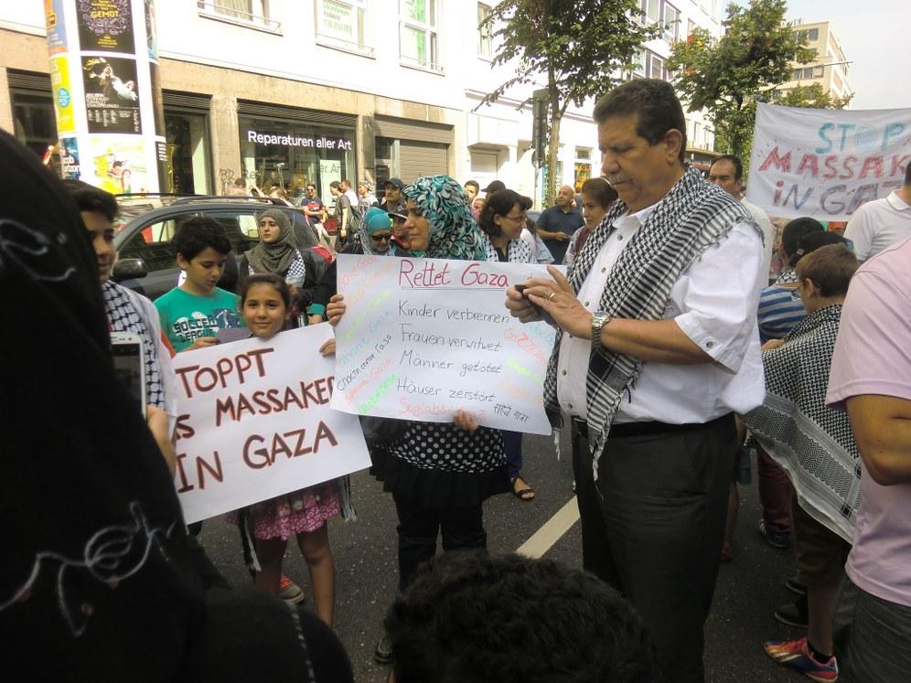 Düsseldorf: Protestdemo gegen den Kriegsterror in Gaza