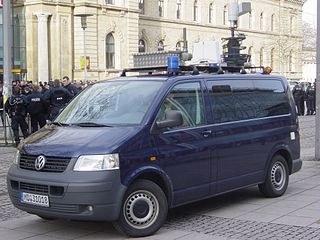 Innenministerium: Hochdruck-Wasserwerfer, Drohnen und Überwachungswagen zur Aufstandsbekämpfung