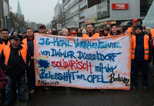 """FREI oder WILLIG? - Neues """"OFFENSIV""""-Flugblatt bei Opel in Bochum erschienen"""