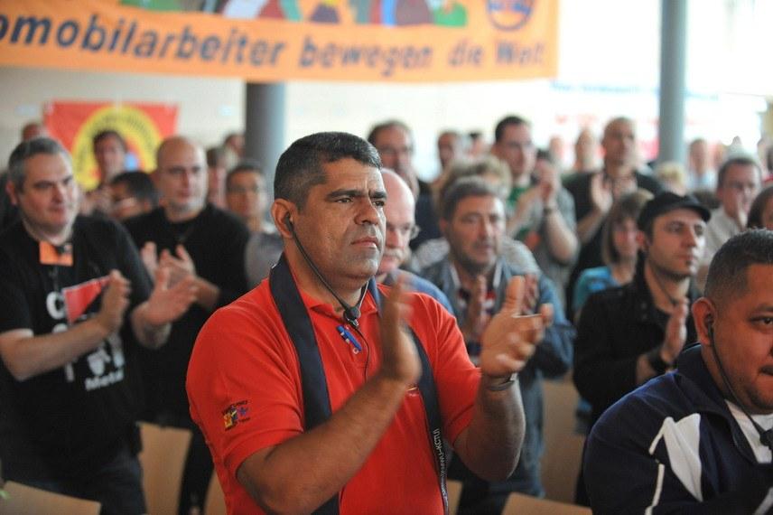 Auto-Monopole fürchten den selbständigen gemeinsamen Kampf der Arbeiter