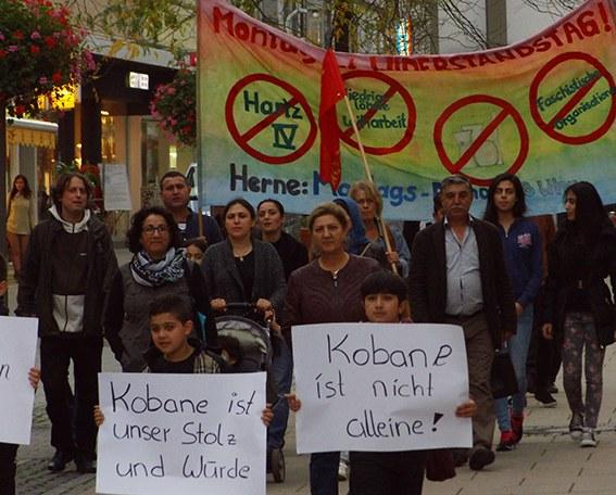 Herne: Kurden aus Rojava und Montagsdemo protestieren gemeinsam