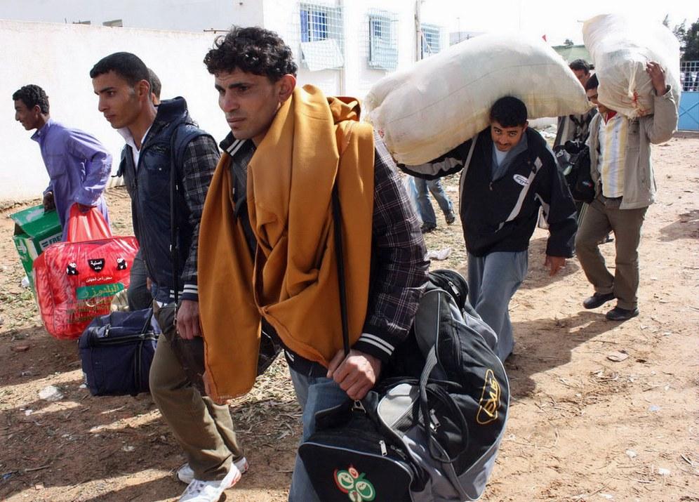 Skandalöse faschistoide Misshandlungen von Flüchtlingen