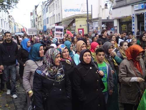 Bremen: Unüberhörbar der Ruf nach Unterstützung für YPG und PKK