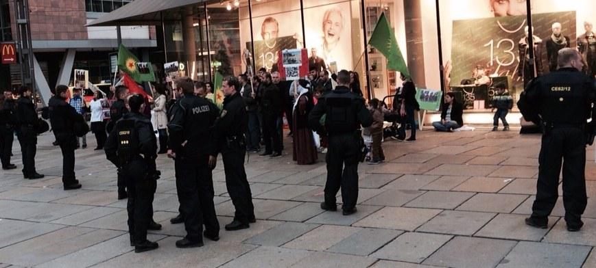 Chemnitz: IS-Faschisten greifen Kobanê-Solidaritätskundgebung an