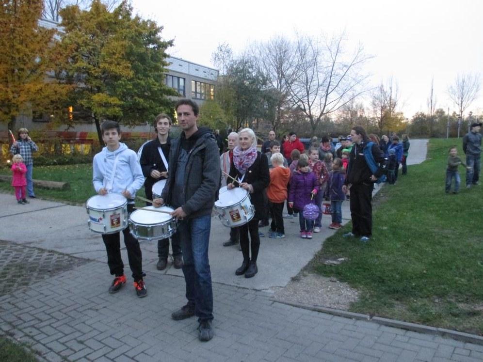 Halle/Saale: REBELL trommelt für 400 Leute zu St. Martin