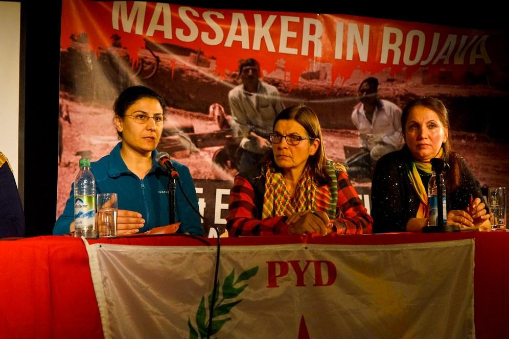 """Unser Herz den Heldinnen in Kobanê"""