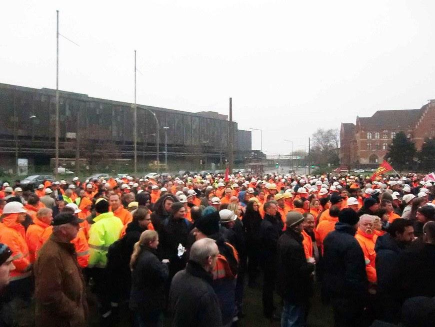 3.500 Stahlarbeiter bei Streikkundgebung von TKSE