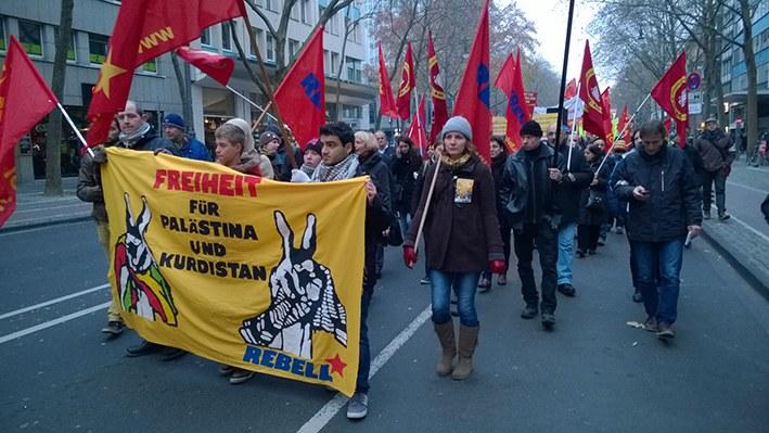 1.500 Menschen demonstrieren in Köln gegen PKK-Verbot - Jetzt mit Video