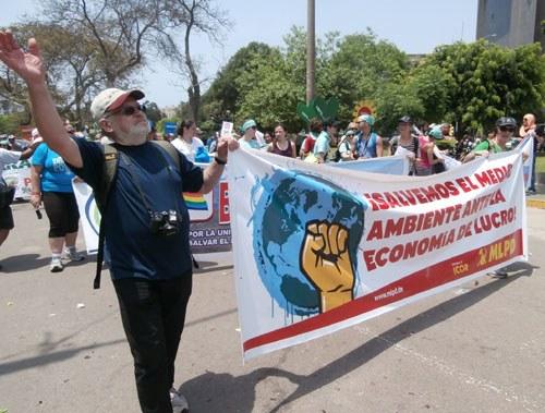 1.000 Bergleute bei Demonstration zum Weltklimagipfel in Peru