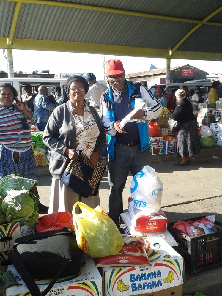 """Südafrika: """"Molo Mama!"""" - Parteiarbeit in einem Township"""