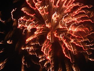 """Die """"Rote Fahne""""-Redaktion wünscht Allen rauschende Silvesterfeiern und einen guten Rutsch ins Jahr 2015"""