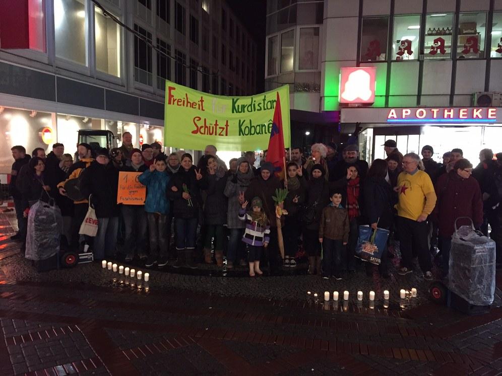 Montagsdemo Gelsenkirchen feiert die Befreiung von Kobanê