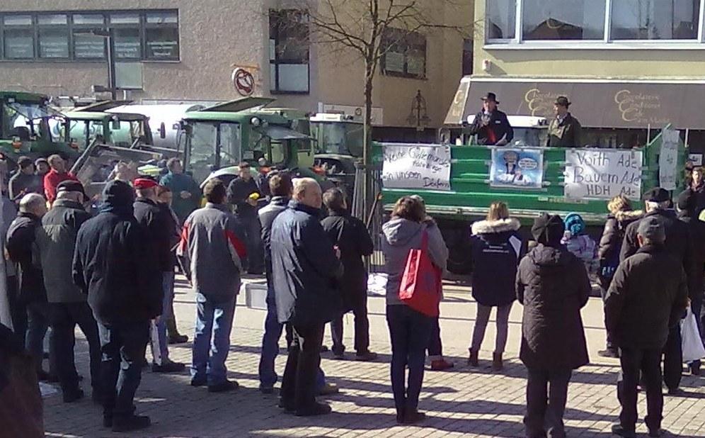 Heidenheim: Bauern demonstrieren gegen die neue Gülleverordnung