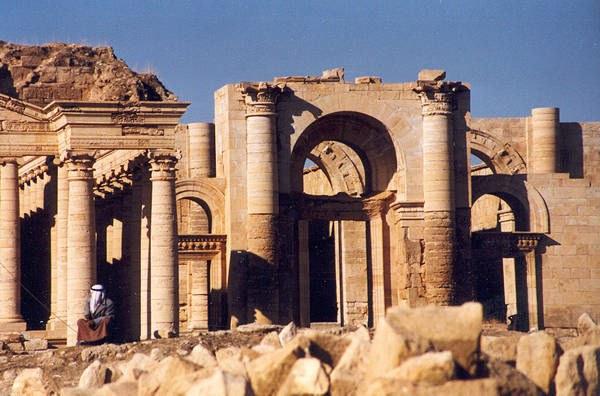 Entrüstung über die Zerstörung von Weltkulturerbe durch die IS-Faschisten