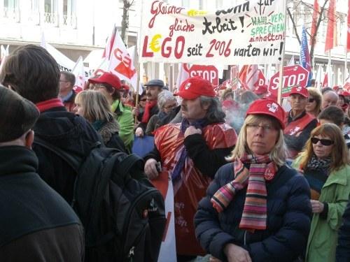 Demo und Kundgebung von Beschäftigten des öffentlichen Dienstes in Düsseldorf
