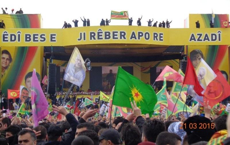Zwei Millionen Menschen feiern Newroz in Diyarbakir