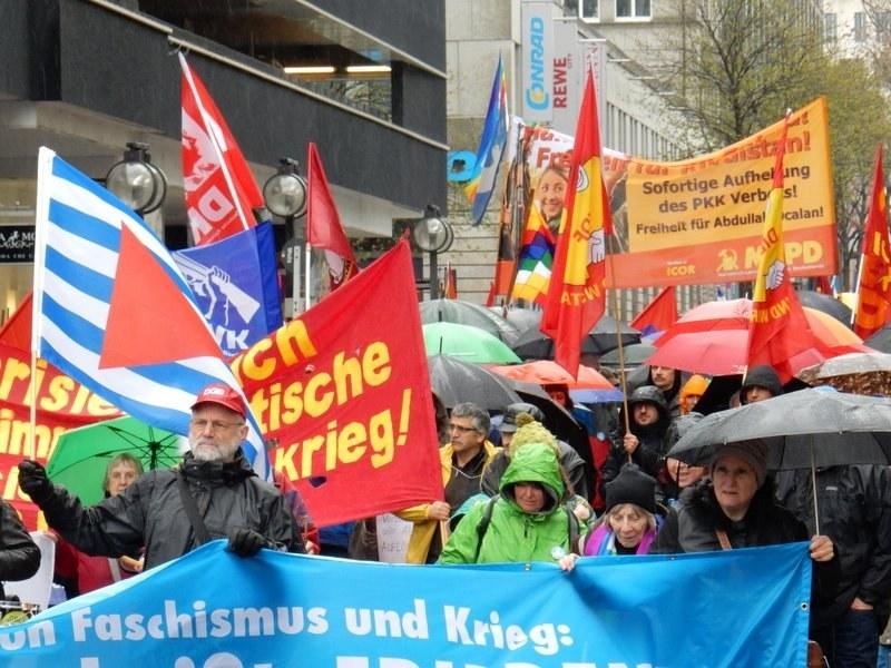 Tausende bei Ostermärschen gegen wachsende Kriegsgefahr
