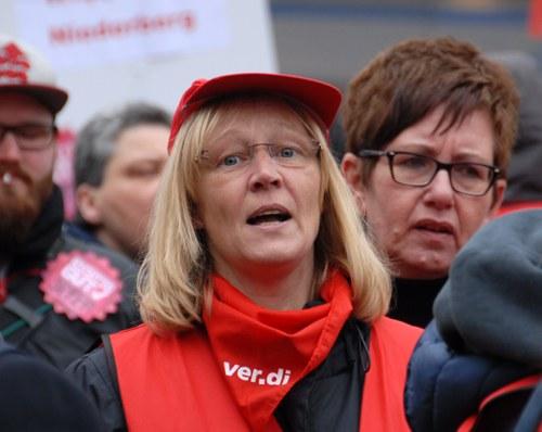 Erzieherinnen stimmen über unbefristeten Streik ab