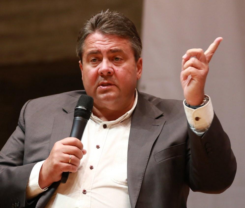 Sigmar Gabriel (SPD) und die Defensive von TTIP