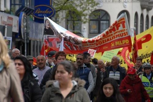 Zum 125. Mal 1. Mai - über 400.000 demonstrieren allein in Deutschland