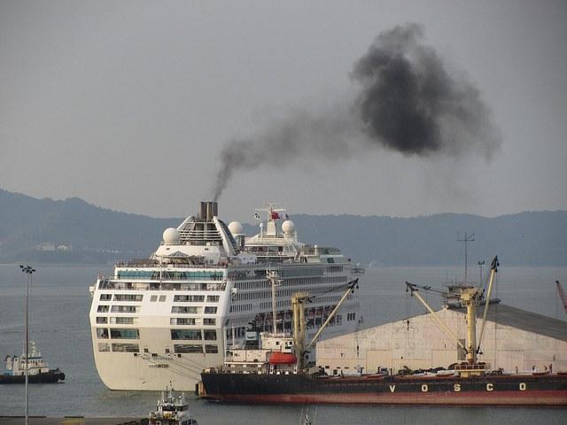 Neues zum CO2–Ausstoß von Seeschiffen