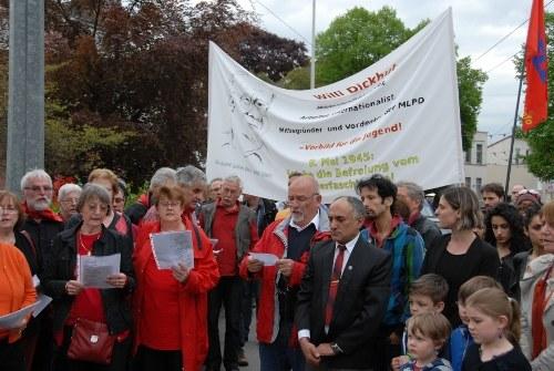 Würdige Gedenkkundgebung für Willi Dickhut in Solingen – Kontrapunkt zu offiziellen Feierlichkeiten des 8. Mai