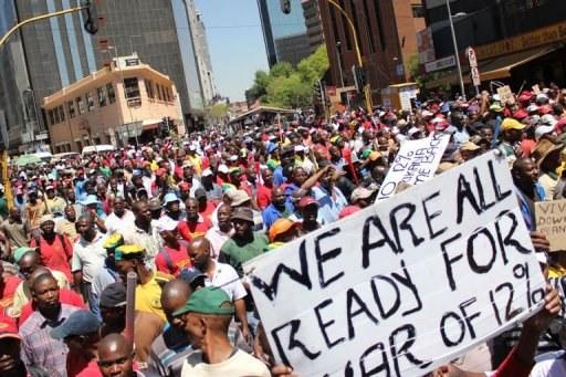 Platinbergbau-Konzern Lonmin plant Vernichtung von 3.500 Arbeitsplätzen in Südafrika