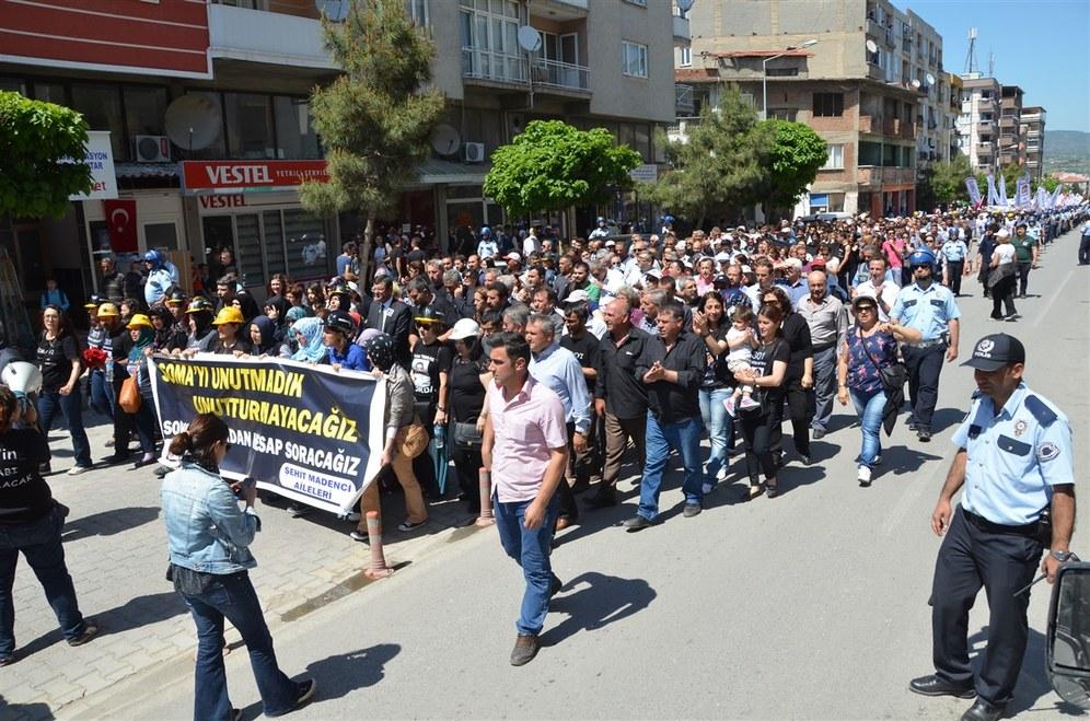 Trauer und Wut - erster Jahrestag des Grubenunglücks in Soma