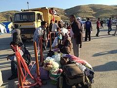 Kurdische Flüchtlinge erzwingen Einreise in die Türkei