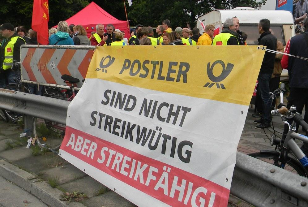 MLPD Hamburg-West erklärt sich solidarisch mit dem Streik der Postlerinnen und Postler