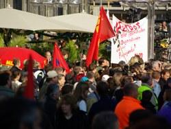 Anschläge auf Flüchtlingsunterkünfte fordern Solidarität und antifaschistischen Protest heraus