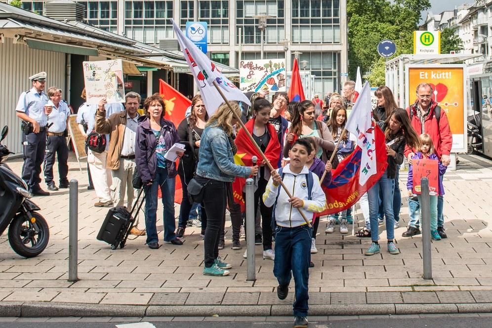 """Jugendamt Leverkusen lehnt Sommercamp-Bezuschussung ab, weil MLPD und REBELL für """"den echten Sozialismus"""" stehen"""
