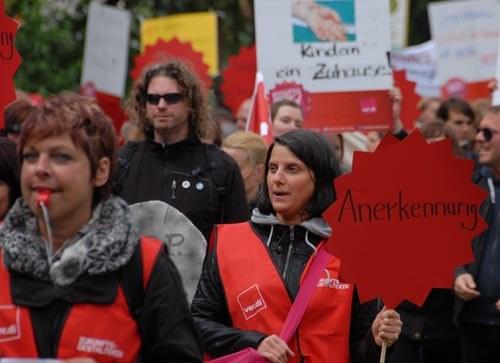 Erziehungs- und Sozialdienst: Klares Votum gegen den Schlichterspruch und für die Fortsetzung des Streiks