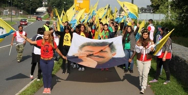 MLPD und REBELL protestieren gegen faschistischen Überfall auf Marsch kurdischer Jugendorganisationen