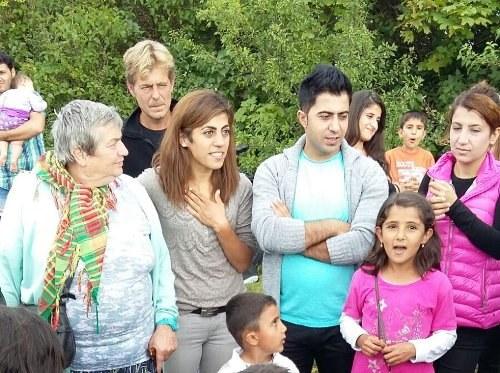 Willkommens-Picknick für Flüchtlinge aus Rojava
