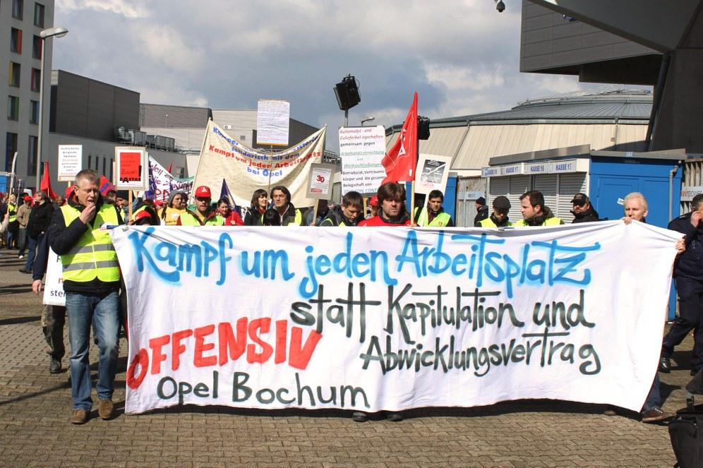 """""""'Angebote' und Drohungen gegenüber standhaften Kollegen: Geschäftsleitung von Opel in der Zwickmühle"""""""