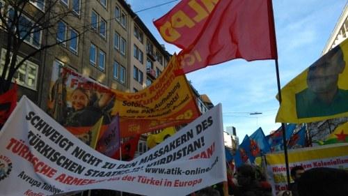 20.000 protestierten in Düsseldorf gegen türkischen Staatsterror