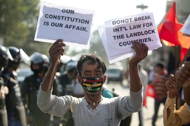 Indiens Blockade gegen Nepal – ein Angriff auch auf die kämpferische Weltfrauenbewegung