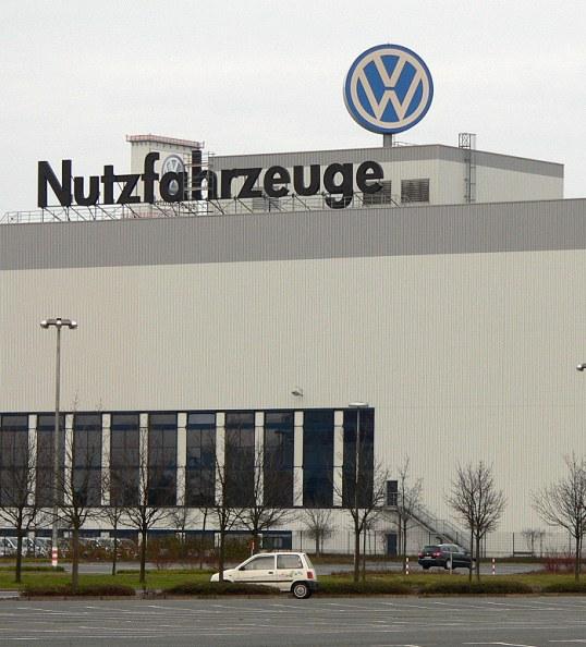 Solidarische Feierabend-Versammlung bei VW in Hannover