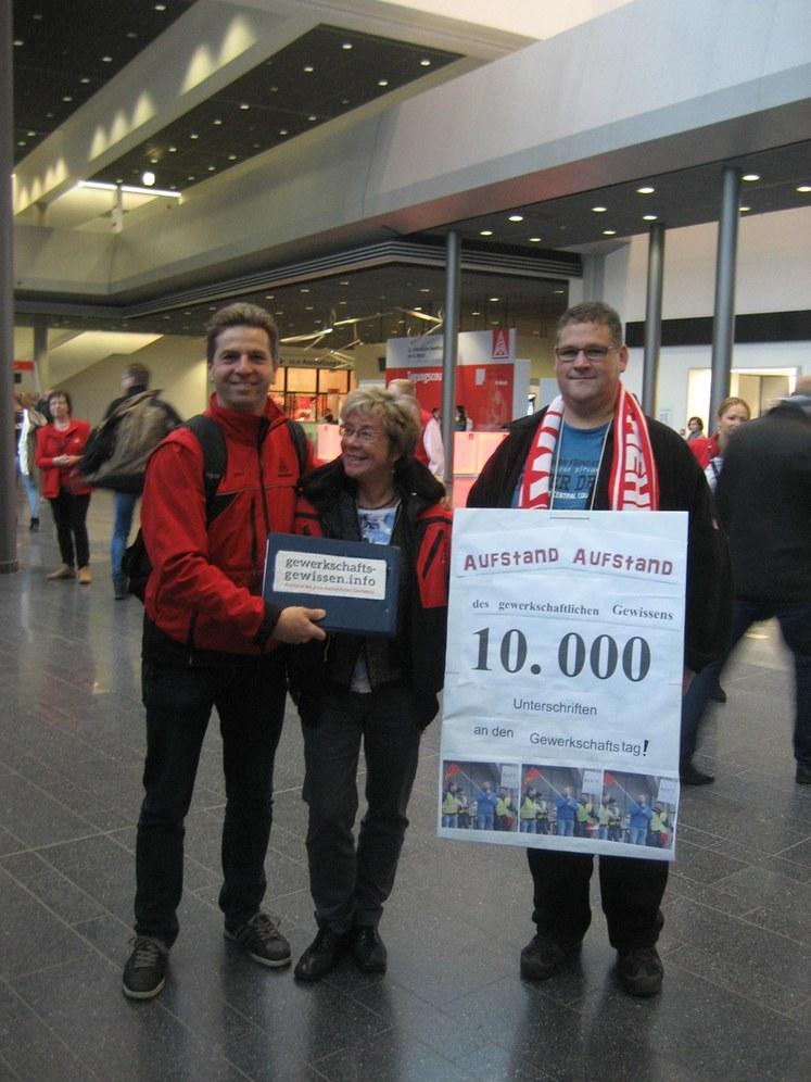 10.269 Unterschriften für eine Gewerkschaft als Kampforganisation – ein weiterer Erfolg!