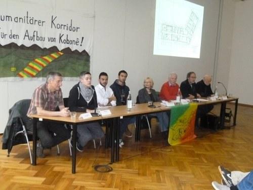 """Bemerkenswerte Pressekonferenz in Berlin zur Übergabe des """"Gesundheits- und Sozialzentrums Kobanê"""""""