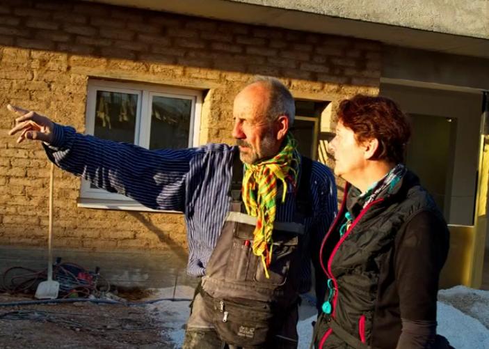 """Facebook in Kobanê ist explodiert"" - Übergabefeier Stadtgespräch in Kobanê"